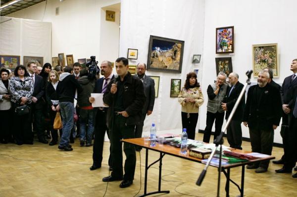 Ксения Баранова. Вице- президент ТСХ России К.В.Петров-приветствует участников выставки.