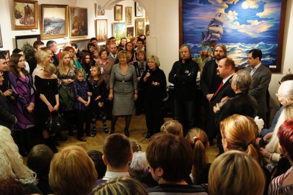 """Ксения Баранова. Открытие выставки """"Всему миру свет"""". Галерея Нагорная."""
